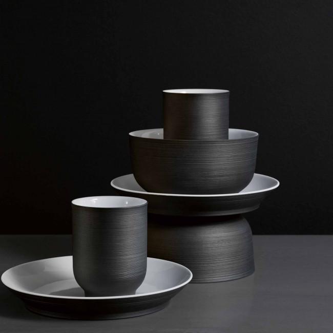 Set aus vier Teilen, außen schwarze, innen weiß