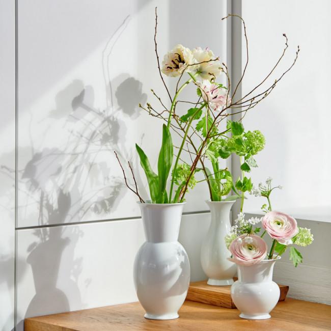 Zwei weiße Fürstenberg Vasen in unterschiedlichen Größen