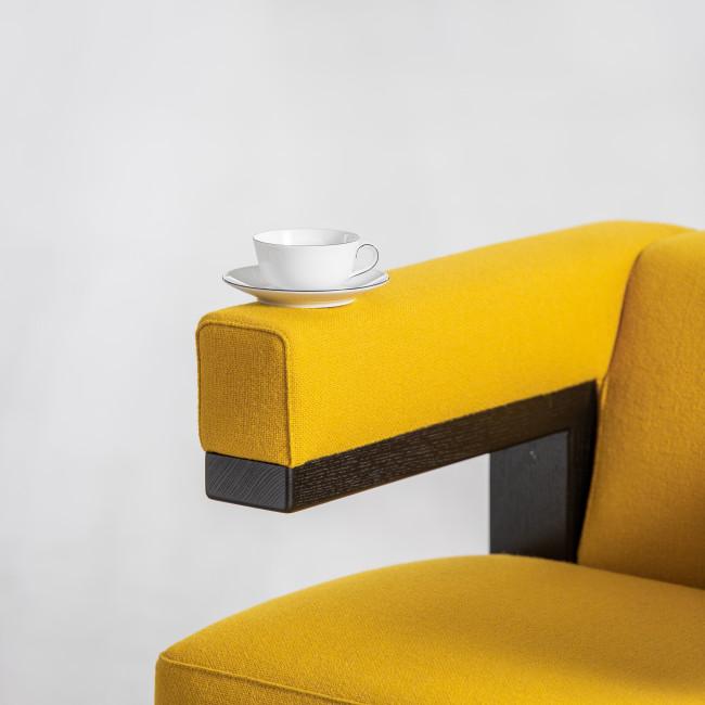 Kaffeekanne, zwei Kaffeetassen gestaltpelt und ein Milchkännchen der Fürstenberg Bauhaus Form Wagenfeld mit dem Dekor Schwarze Linie