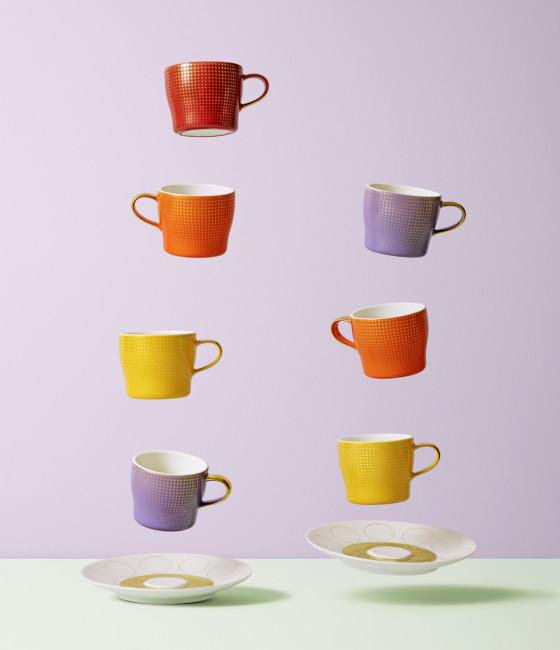 Fliegende farbige Espressotassen der Fürstenberg Form Auréole mit dem Dekor Clair de Lune