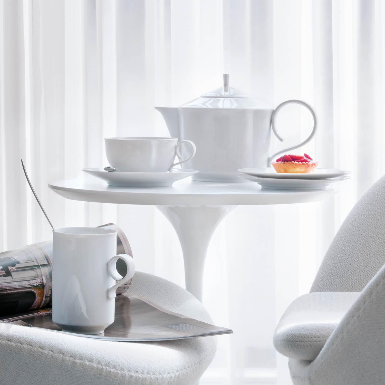 teapot with tea strainer porzellanmanufaktur f rstenberg. Black Bedroom Furniture Sets. Home Design Ideas