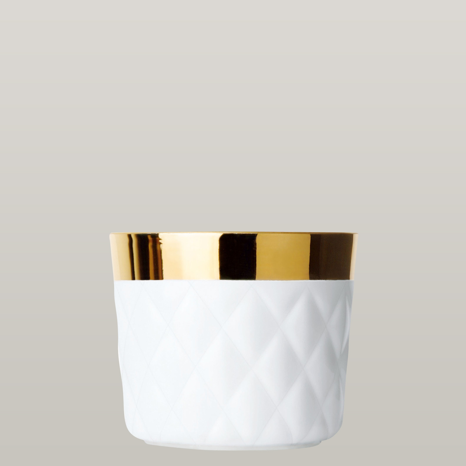 Becher White, Cushion, Kissenrelief