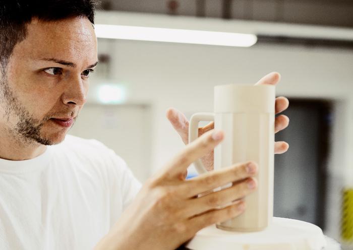 Making of Bierkrug in der Produktion in Fürstenberg