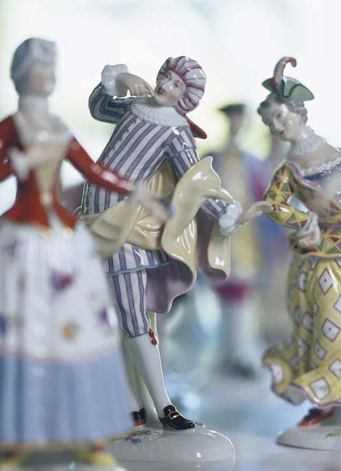Verschiedene Figuren der Commedia dell'Arte Porzellanfiguren in farbig