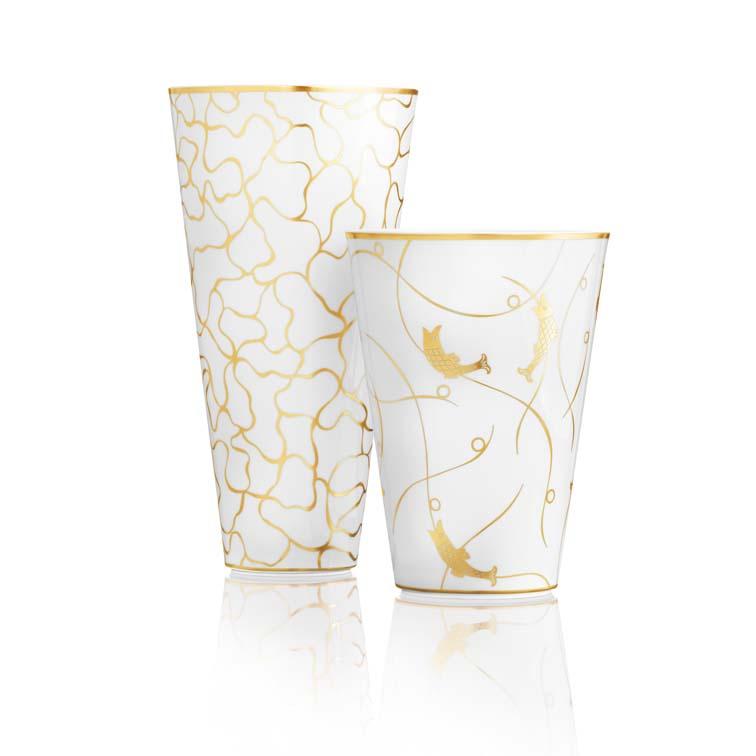 Zwei Vasen groß und klein der Fürstenberg Serie konischer Vasen mit dem Dekor Fer Forgé des Designers Peter Kempe
